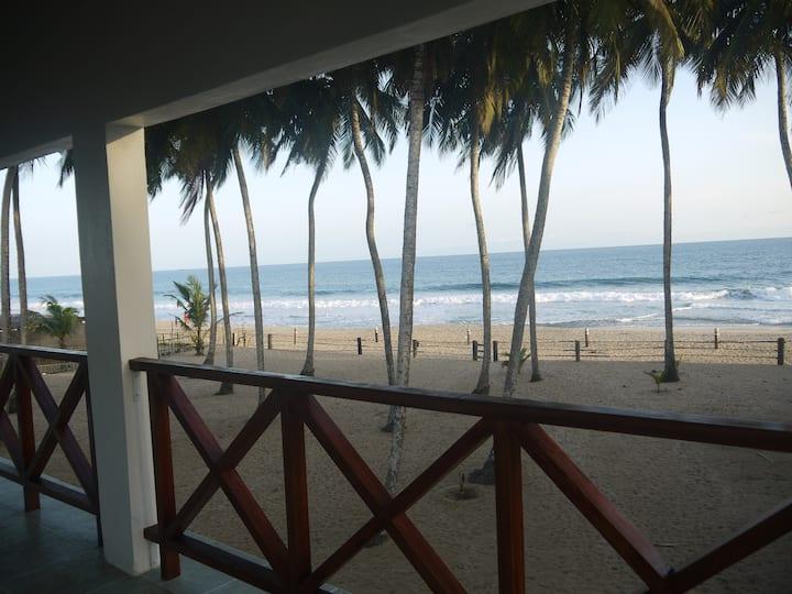 Grande chambre d'hôte sur plage privée