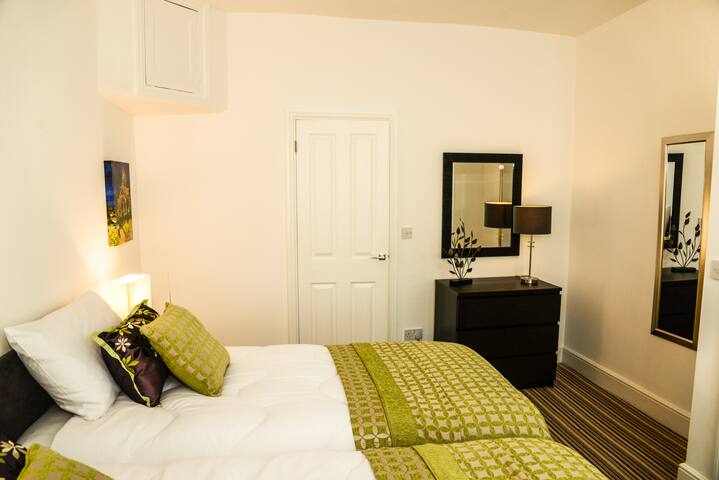 NEW! Perfect little townhouse nr river & theatres - Stratford-upon-Avon - Haus
