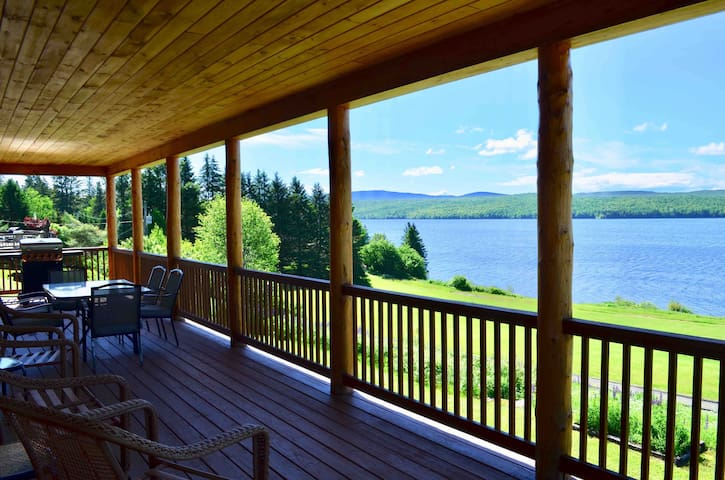 The Loon View - Lake Francis Pittsburg NH rental