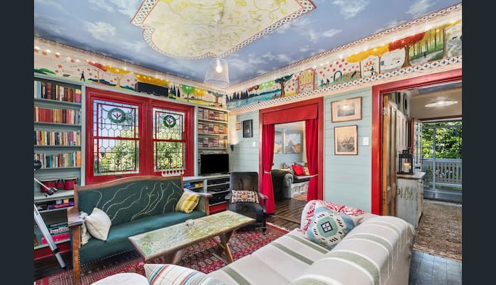 Zero AirBnB Fee - Locally Decorated Daylesford 3 Bedroom Cottage