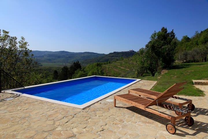 Peaceful Villa with breathetaking view - Livade - Villa