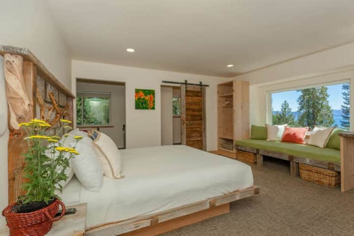 LAKE VIEW Tahoe DOUBLE KING Two Bath Studio Suite