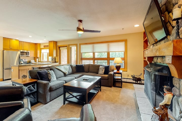 Ski-in/out Condo w/ Three Decks, Fireplace, WiFi & Shared Pool/Hot Tub/Laundry!
