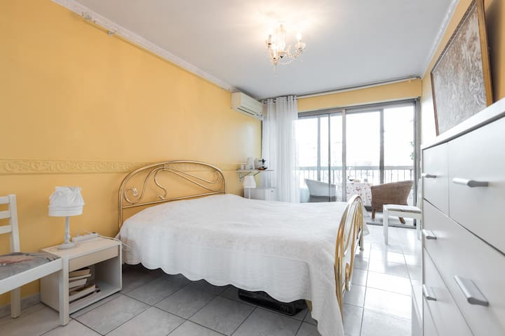 Big room  with balcony close to town center