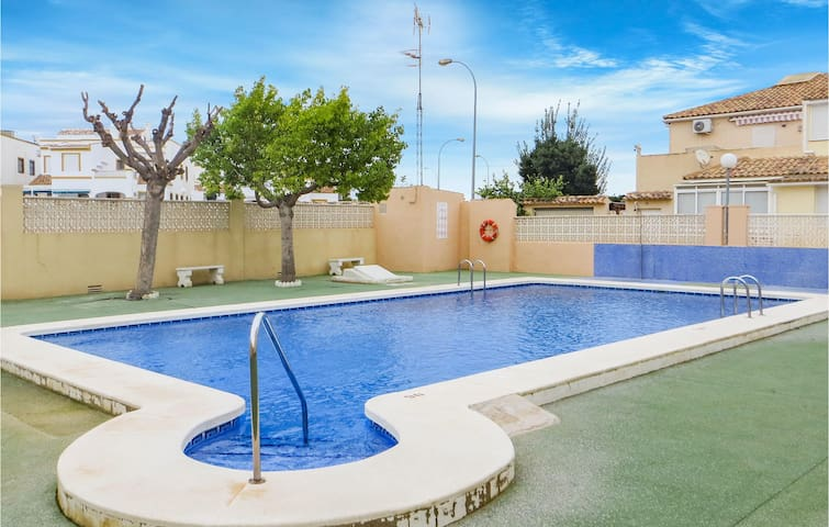Semi-Detached with 3 bedrooms on 88m² in Orihuela