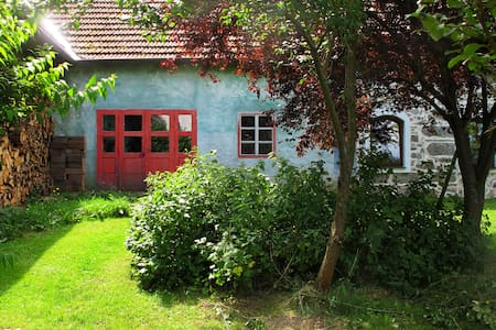 Atelier im mittelalterlichen Gutsho - Niedernondorf