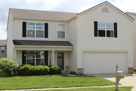 Comfy House near Klipsch + More! - Noblesville - Hus