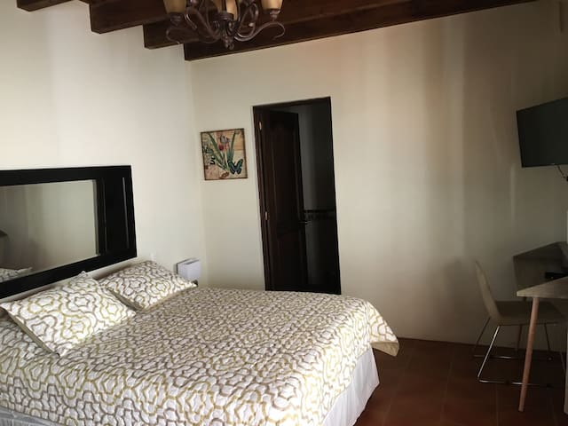 Romantic  room in Antigua!! - Antigua Guatemala