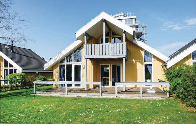 Semi-Detached with 2 bedrooms on 90m² in Rechlin