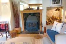 Delightful 18th Century Cotswold Weavers Cottage