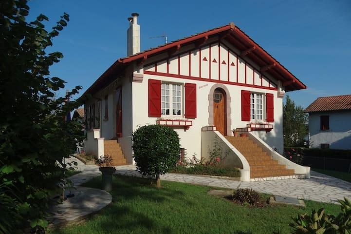 Le charme d'une maison basque rien que pour vous