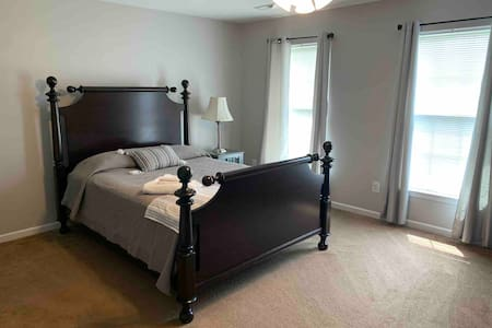 Huge private room with lots of space and comfort