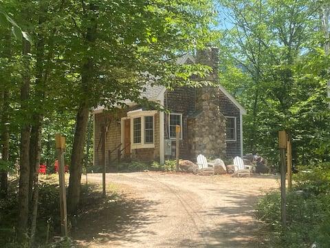 Cabaña privada en 1,7 acres con montículos blancos de chimenea