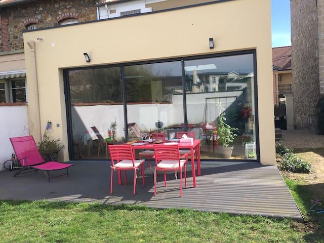 Lovely house with garden, 20min to Paris - Saint-Maur-des-Fossés - Talo