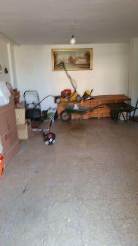 Garage y cuarto de aperos, planta baja