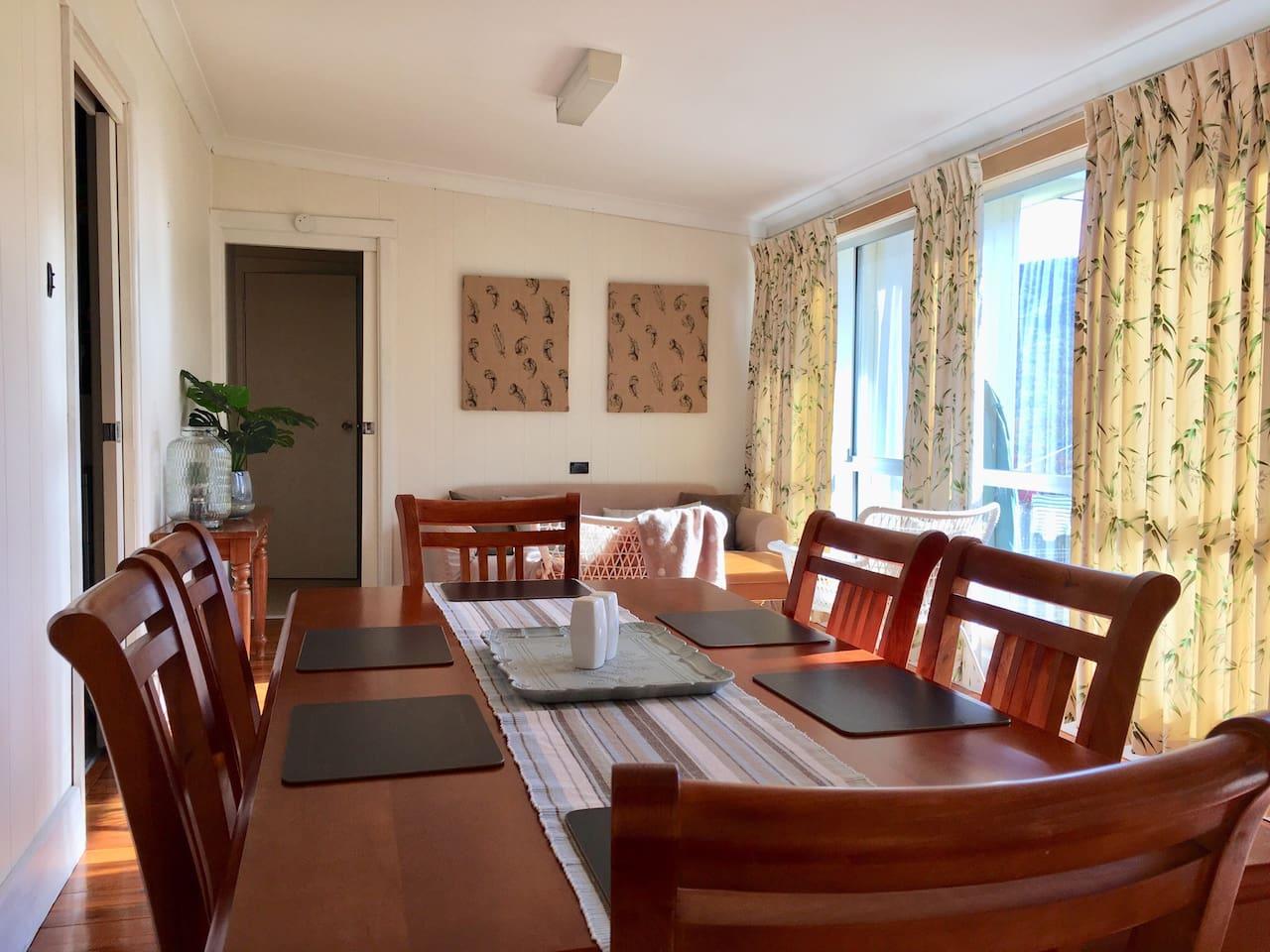 Dining area/sun room.