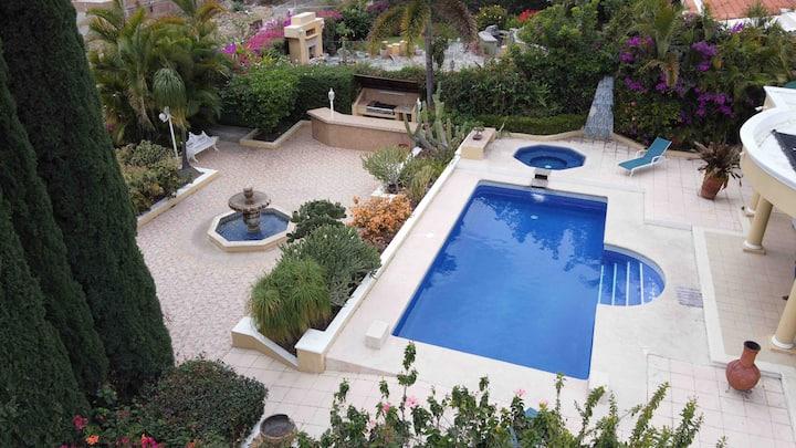 Hermoza casa paraíso, con alberca climatizada!