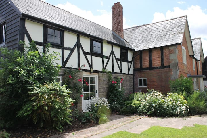 Dee's Cottage at Brinsop - Hereford - Apartemen