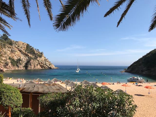 Cala Giverola - Tossa de Mar - Dom wakacyjny