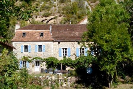 La chambre bleue de Marianne - Sauliac-sur-Célé - Pensió