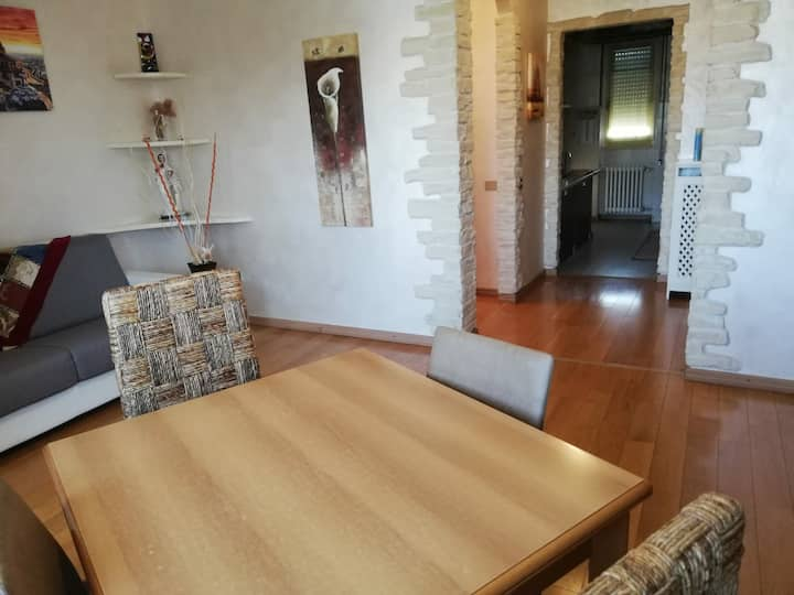 Casa Carducci - zona Policlinico San Pietro