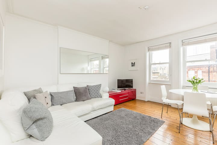 Lovely  2 Beds flat in W Kensington