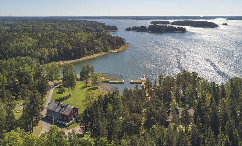 Luxurious Seaside Villa