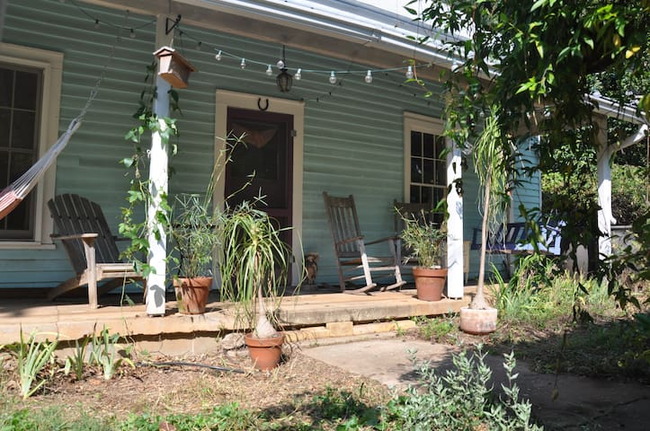 Charming Historic Mill House 1.7 mi from Downtown