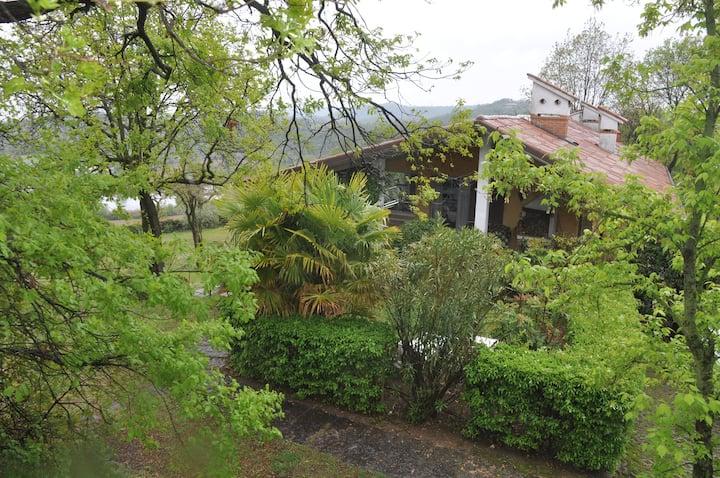 Beautiful house in the nature - Casa nella natura