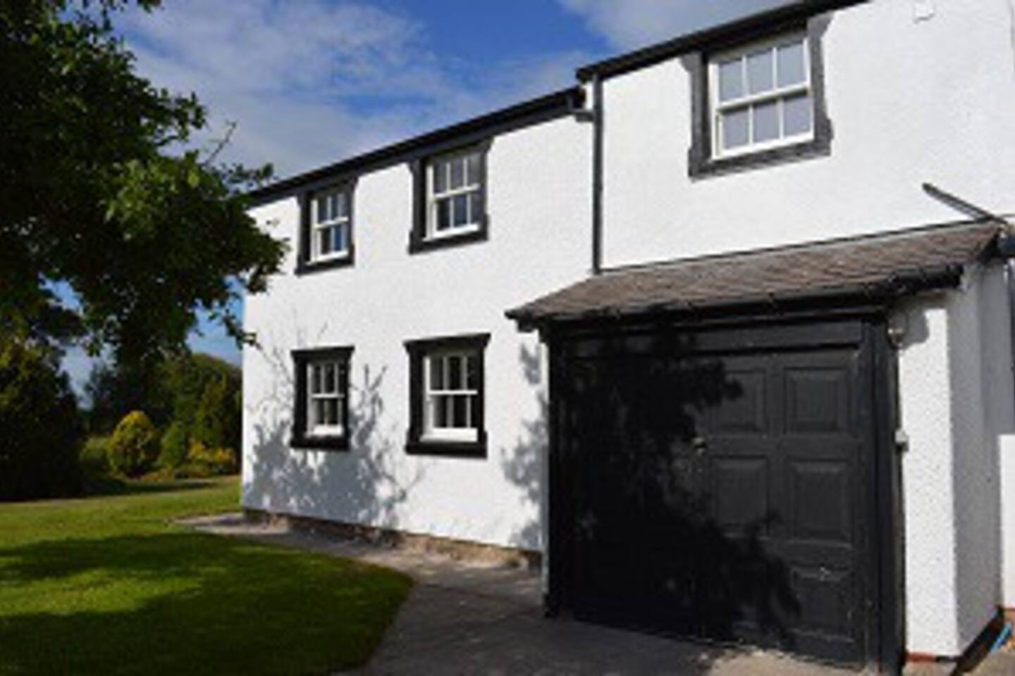 Completed in 2018 this cottage is set in open countryside with stunning views towards the Cheshire Plain and The Panorama Hills above Llangollen.   Accommodation is attached to the main house, comprising of a spacious bedroom/sitting room with dressing room off and a large shower room en-suite. All on the first floor with triple aspect to take in the wonderful views. The kitchen/diner on the ground floor comprises all modern appliances and dining facilities. Guests will appreciate that due to our rural location our wi-fi is rather slow at times.  There are a host of interesting places to visit within easy reach including: LLangollen (9 miles), Chester (16 miles). Less than an hours drive away guests can visit the North Wales coast, Liverpool, Conwy or the Snowdonia National Park. There are also many other local attractions including Chirk Castle and Erddig House for you  to enjoy.  Your hosts Patti and David will be glad to welcome you to their newly completed Plas Eyton Holiday let.