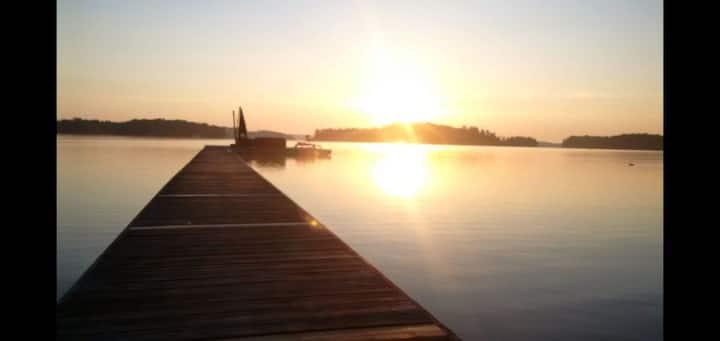 Lake Rossau Lifestyle - Woodington Beach Cottage