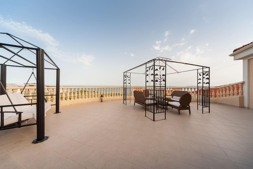 Terrasse mit atemberaubendem Meerblick und Jacuzzi