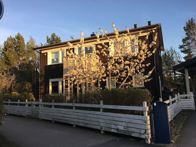 Comfortable house north of Sthlm - Vallentuna