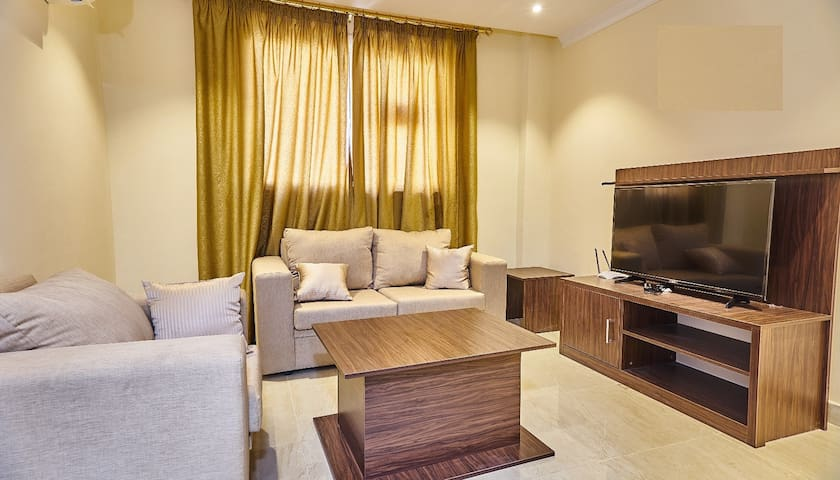 Fully Furnished One-Bedroom Apartment-Dahlia