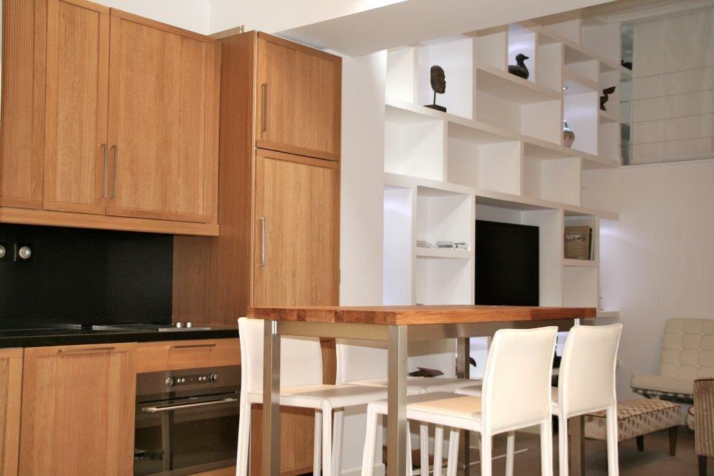 Cusine tout est équipée: foyer mixte, congélateur, lave vaisselle...etc