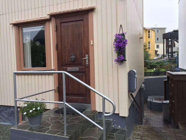 Midt i Torshavn, hvor det sker!