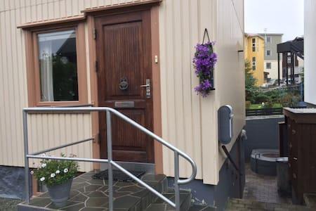 Midt i Torshavn, hvor det sker! - Tórshavn