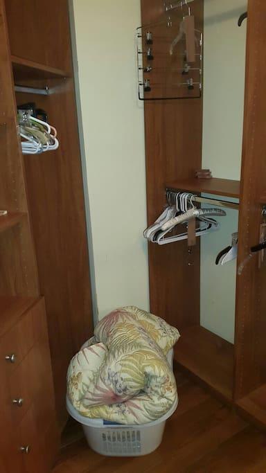 Master room closet