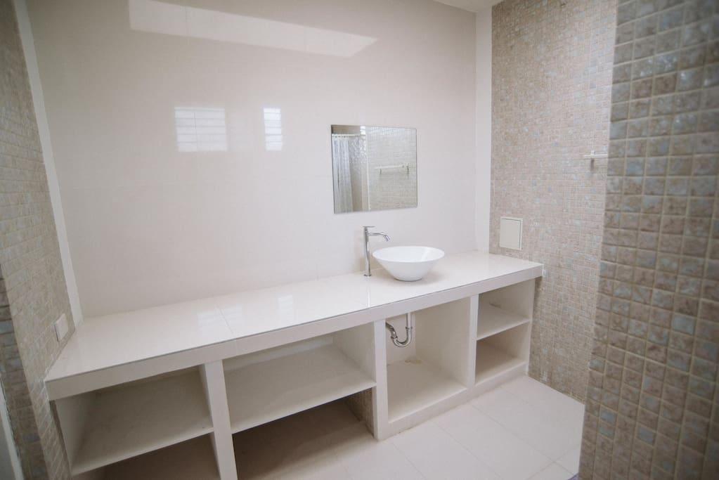 Clean Comfort Rooms