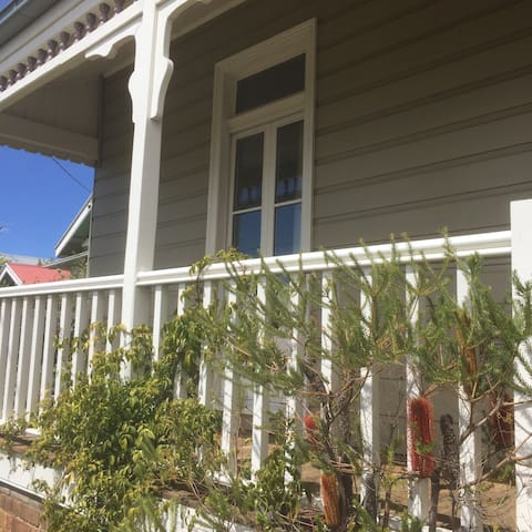 Charming 1900's mountains cottage. - Katoomba - Hus