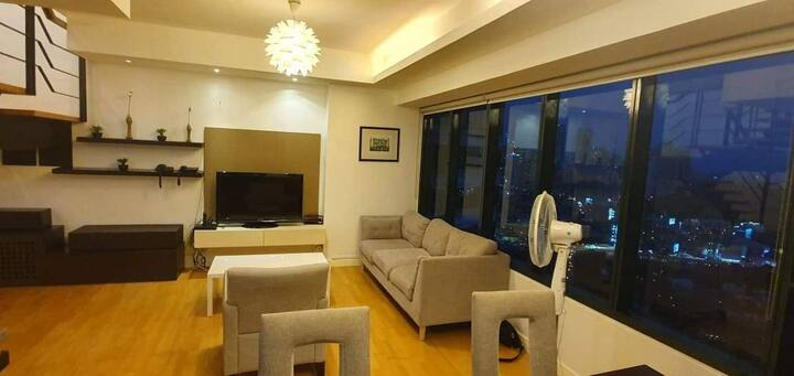 LOFT @ ONE ROCKWELL EAST 2BR PARKING FULLY FURNISH