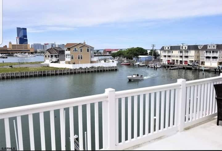 Full House 3 bed, 2.5 bath waterfront in AC, NJ