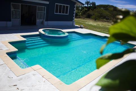 Bon Accord Tobago Villa: pool, reef & kayaks