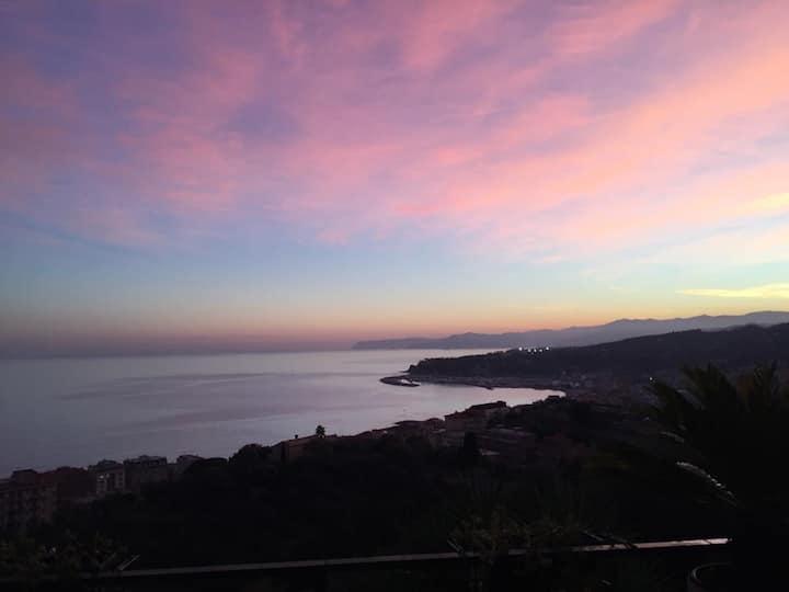 Piccola perla con terrazza vista mare Golfo Ligure