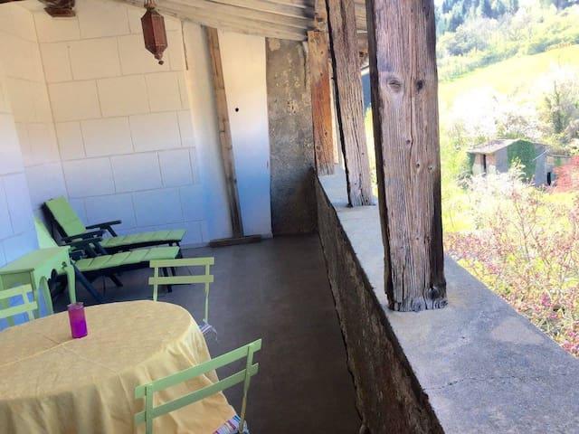 A louer pour 6 mois minimum Loft +terrasse