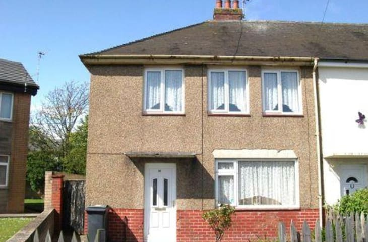 Spacious 3 bedroom house - Fleetwood  - House