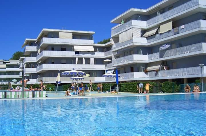 Residence with pools, volleyball and children area