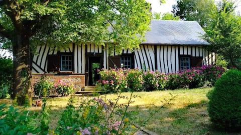 Norman farm house in a cosy hamlet...