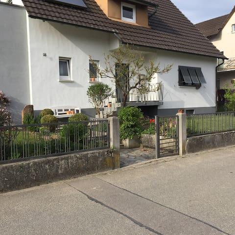 Schönes Haus mit tollem Garten - Rust - Ev