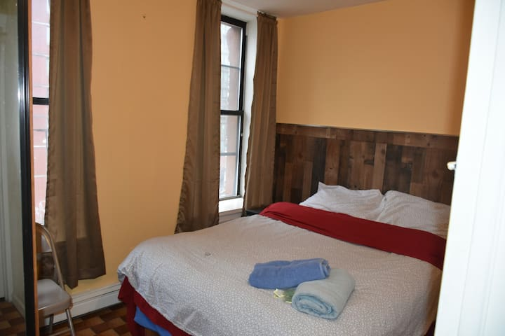 Stay in this sunny private room near Times Sq 41D3